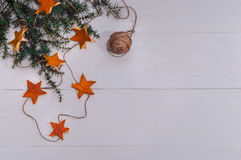 Fond de vacances avec les décorations fabriquées à la main Photographie stock libre de droits