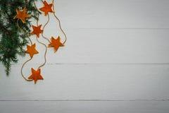 Fond de vacances avec les décorations fabriquées à la main Photo stock