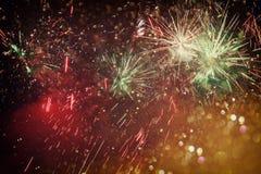 Fond de vacances, lumières de scintillement et recouvrement abstraits de feu d'artifice photos libres de droits