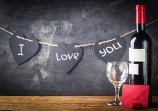 Fond de Valentine de vin et de bougie Photo libre de droits