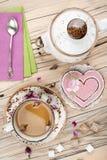 Fond de valentines de table de thé photos stock