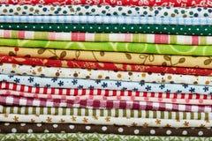 Fond de variété de textiles de coton en gros plan Photographie stock libre de droits