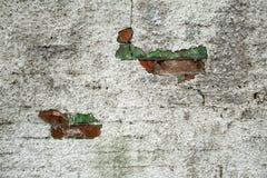 Fond de vieux mur de briques avec le béton en écailles Photos libres de droits