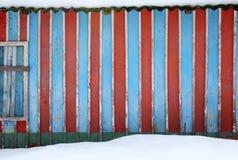 Fond de vieux mur multicolore en bois de maison Photos libres de droits