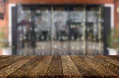 fond de vinothèque avec l'espace libre pour votre verre de bouteille Image stock