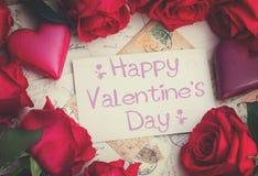 Fond de vintage avec des coeurs et des roses photo libre de droits