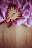 Fond de vintage pour la carte postale avec la draperie lilas Photos libres de droits