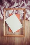 Fond de vintage pour la carte postale avec la draperie lilas Photo libre de droits