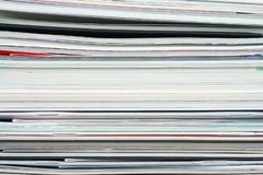Fond des magazines empil?es, brochures, carnets, catalogues image stock