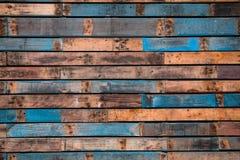 Fond des planches en bois peintes photo libre de droits