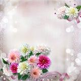 Fond doux magnifique de vintage avec des dahlias de fleurs Photo libre de droits