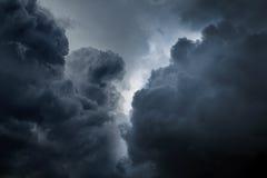 Fond dramatique de cloudscape photographie stock