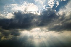 Fond du ciel avec le nuage Photos libres de droits