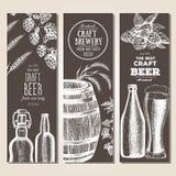 Fond du drapeau Set Illustration de vecteur dans le style de croquis Bannières tirées par la main de verticale de bière Dessin au Image stock
