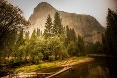 Fond du feu de Yosemite Image stock