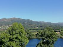 Fond du Portugal de rivière de Minho image libre de droits
