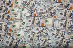 Fond en baisse d'argent Concept d'économie d'affaires images stock