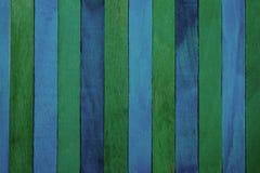 Fond en bois approximatif vertical de texture de bleu d'indigo et de cloison de séparation de thème vert photos libres de droits