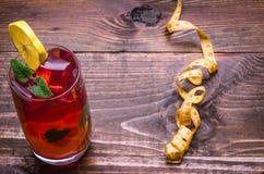 Fond en bois au sujet de cocktail et de centimètre Photo libre de droits