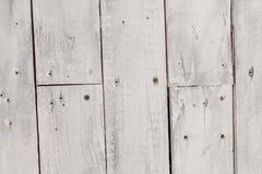 Fond en bois blanc de cru avec des clous image libre de droits