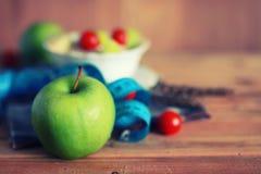 Fond en bois de centimètre de pomme de fruit de régime Photo stock