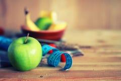 Fond en bois de centimètre de pomme de fruit de régime Photo libre de droits
