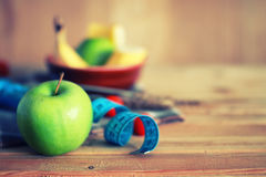 Fond en bois de centimètre de pomme de fruit de régime Images libres de droits