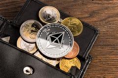 Fond en bois de crypto de devise d'ethereum euro concept de portefeuille photos stock