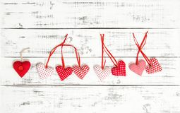 Fond en bois de jour de valentines de texture de coeurs de textile Image stock