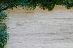 Fond en bois de Noël avec l'arbre de sapin Cadre de décoration de Noël sur le fond en bois Vue avec l'espace de copie l'espace photos stock