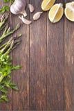 Fond en bois de nourriture de légumes Images stock