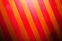 Fond en bois de texture de cloison de séparation de thème rouge et jaune d'indigo approximatif de cru faites écrire un certain es photo stock