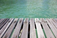 Fond en bois et de mer Photographie stock libre de droits