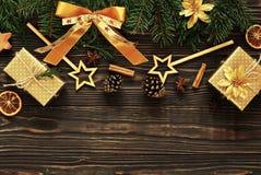 Fond en bois foncé de Noël ou de nouvelle année, Photos libres de droits