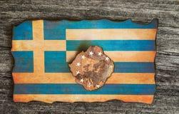 Fond en bois grunge de drapeau grec photos libres de droits