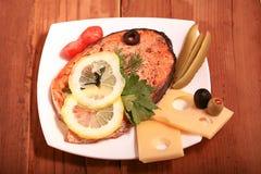 Fond en bois saumoné grillé Photo libre de droits