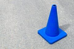 Fond en construction de site Web de cône du trafic photo libre de droits