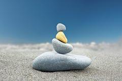 Fond en pierre d'art de tour bouddhiste de roche Photos libres de droits