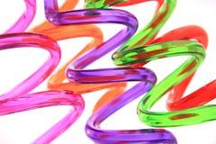 Fond en spirale en plastique de pailles de couleur photos stock