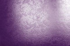 Fond en verre violet foncé Photos stock