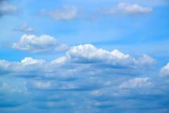 Fond et nuages colorés de ciel 171015 0053 Image stock