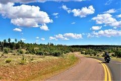 Fond för ritt för sammankomst för frihet för stolpe 86 för amerikansk legion - raiser i nordliga Arizona, Förenta staterna arkivbilder