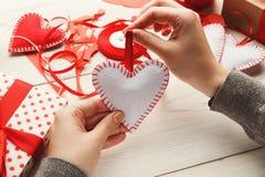 Fond fait main de cadeaux de Saint Valentin Photographie stock