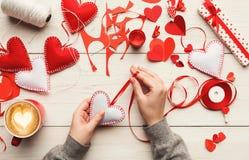 Fond fait main de cadeaux de Saint Valentin Images stock