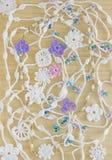 Fond fait main de crochet original lumineux et coloré avec les rubans blancs de coton Foyer mou sélectif Pâques, ressort, le beso Photographie stock libre de droits