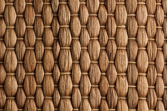 Fond fait main de tapis brun tissé par bambou Photographie stock libre de droits