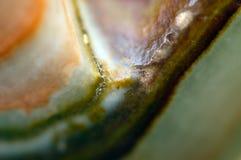 Fond fantastique, magie d'une pierre, roche en cristal Photographie stock libre de droits