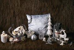 Fond foncé de fourrures de Noël ou de nouvelle année Images libres de droits
