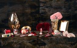 Fond foncé de fourrures de Noël ou de nouvelle année Photos libres de droits