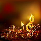 Fond foncé de musique avec les notes musicales d'or et la clef triple illustration stock